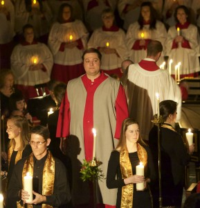 Praeclara tenor Matthew Tatus in Messiah by Candlelight (2014)