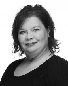 Mary Ibis, director of the Praeclara Ringers