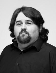 Praeclara bass-baritone Ethan Ezell