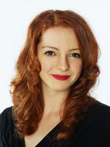 Praeclara soprano Kelly Singer